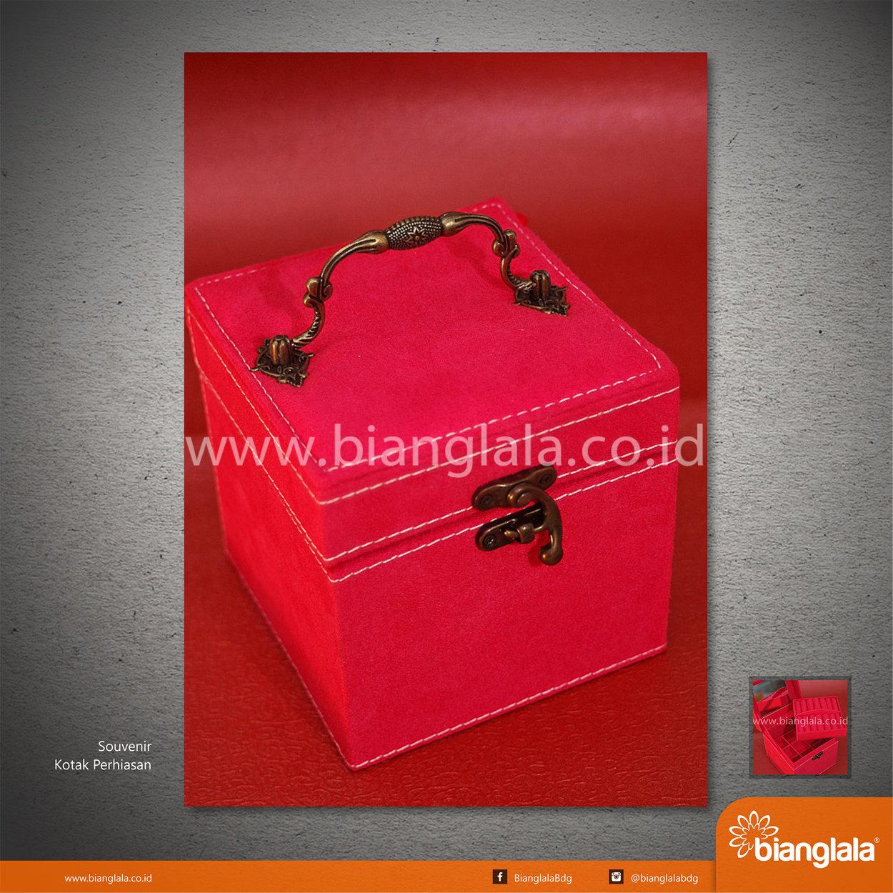 [09] Souvenir Kotak Perhiasan