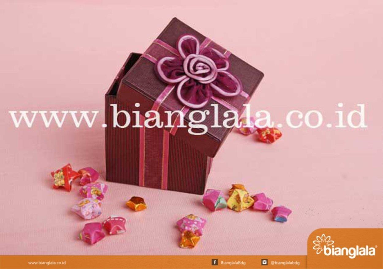 box mini pita ungu