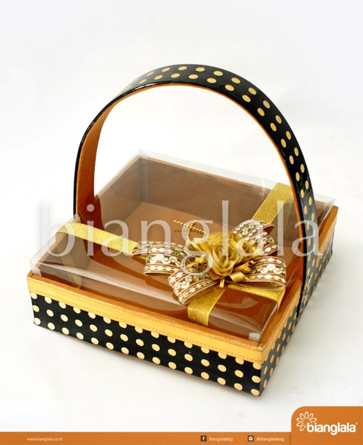 gift box keranjang polka dot black gold 1