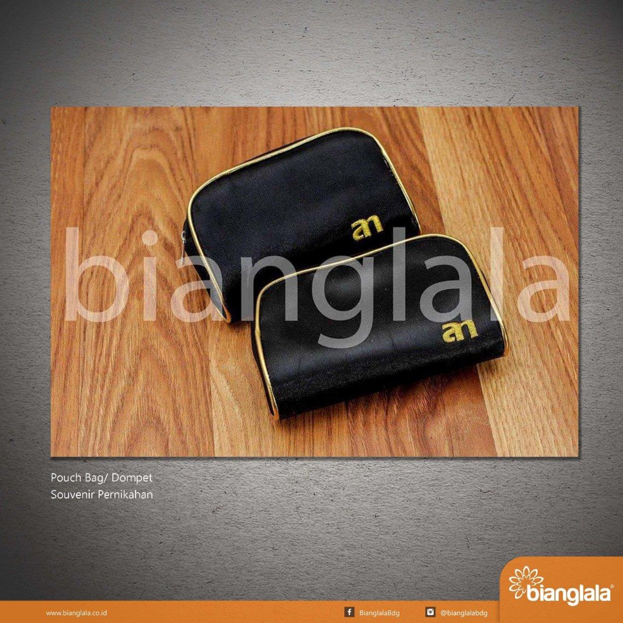 SMALL pouch bag hitam