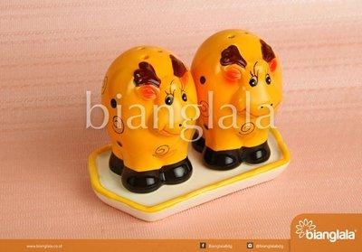 boneka keramik sapi