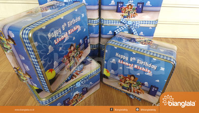 kaleng kotak tema toy story