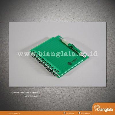 notes & ballpoint hijau 1