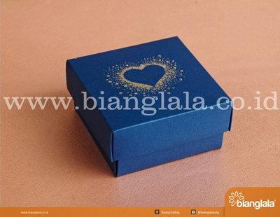 SMALL box souvenir biru heart copy