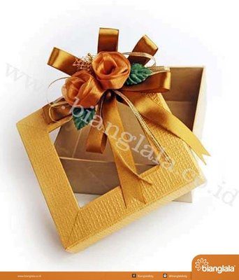 SMALL produk box bunga