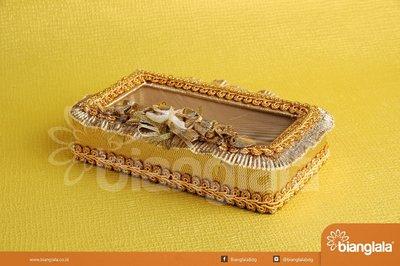 tempat perhiasan square gold 1