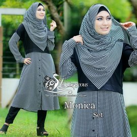 Monica-Set-by-Lil-Gorgeous-HITAM